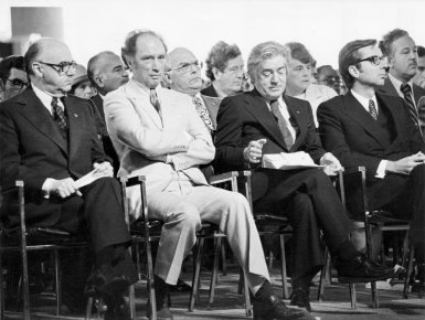 L'inauguration de l'aéroport de Mirabel en 1975. De... (PHOTO JEAN GOUPIL, ARCHIVES LA PRESSE)
