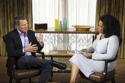 Lance Armstrong en entrevue avec Oprah Winfrey.... (Photo George Burns, Reuters)