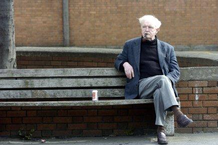 La population vieillit dans les pays en crise... (Photo AFP)