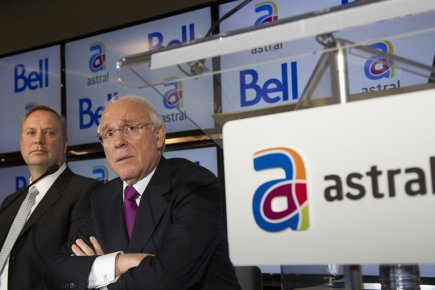 Les PDG de Bell Canada Enterprises (BCE) et... (Photo Christinne Muschi, Archives Reuters)