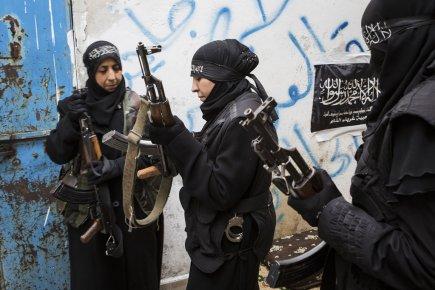La guerre des soldates d 39 alep mich le ouimet syrie for Portent en arabe