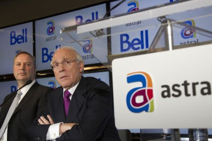 Les PDG de Bell Canada Enterprises (BCE) et... (Photo Christinne Muschi, Archives Reuters)