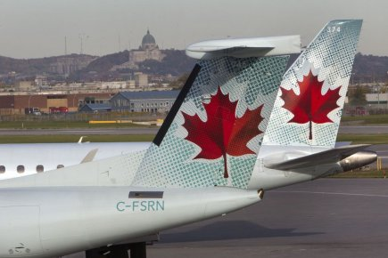 L'indemnité que compte offrir Air Canada aux passagers... (PHOTO ROBERT SKINNER, ARCHIVES LA PRESSE)