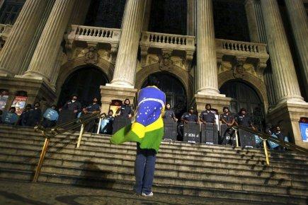 La Banque centrale du Brésil doit annoncer son... (PHOTO PILAR OLIVARES, REUTERS)
