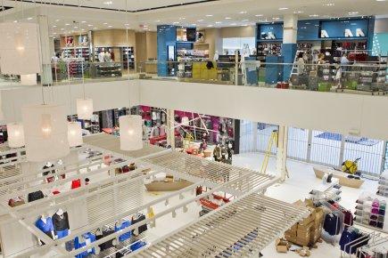 Simons ouvre enfin anjou marie eve fournier commerce de d tail - Espace anjou magasins ...