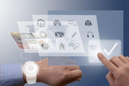 Une série de montres intelligentes conçues par les... (Photo Matthias G. Ziegler/shutterstock.com)