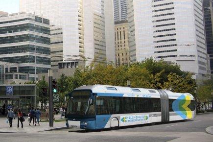 Le trolleybus, autobus à propulsion électrique dont l'alimentation... (PHOTO FOURNIE PAR L'AMT)