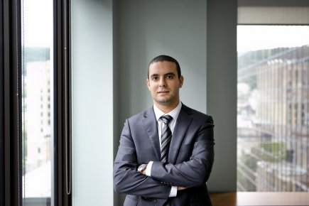 Achraf Louitri, 28 ans, est directeur, actuariat, assurance... (PHOTO MARCO CAMPANOZZI, LA PRESSE)