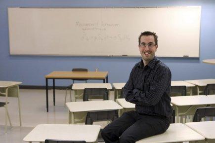 Mathieu Boudreault, 33 ans, est professeur chercheur en... (PHOTO MARTIN CHAMBERLAND, LA PRESSE)