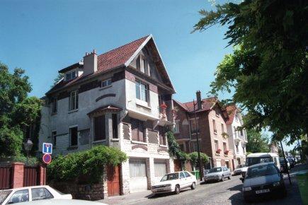 Les maisons dans les environs de Paris sont... (Photo Archives La Presse)