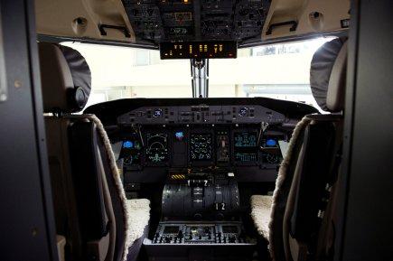 Les pilotes peuvent avoir des journées de 12... (Photo La Presse Canadienne)
