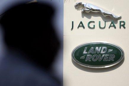 Le constructeur automobile Jaguar Land Rover (JLR) envisage de construire une... (Photo AP)