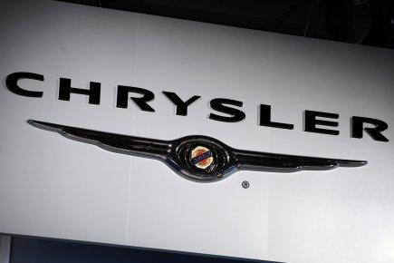 Le constructeur automobile américain Chrysler, contrôlé par le groupe italien... (PHOTO STAN HONDA, ARCHIVES AFP)
