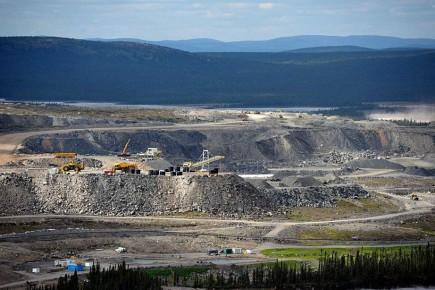 La société Champion, propriété de Cliff Natural Ressources, recherche 327 millions de dollars pour relancer la mine du lac Bloom (photo), soit par des capitaux privés, soit par l'appui à la fois de capitaux privés et gouvernementaux.