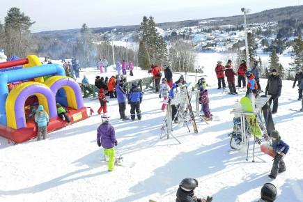 Un carnaval était organisé au Mont Villa Saguenay,... (Archives Le Progrès-Dimanche, Gimmy Desbiens)