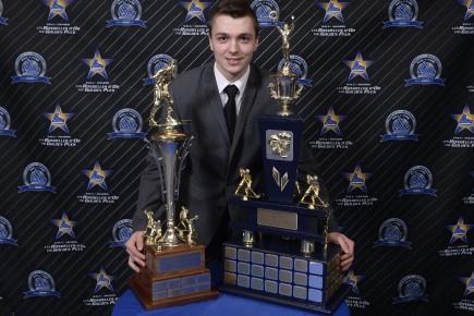 Le Robervalois Samuel Girard a remporté les trophées... (Photo La Presse, Bernard Brault)