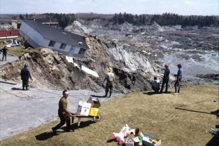 On ne compte plus les histoires liées à... (Archives, FONDS MARC ELLEFSEN, Société historique du Saguenay)