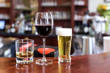 DÉBAT / Bien que la dépendance à l'alcool soit un problème bien présent dans la... (123rf)