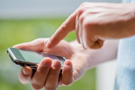 L'échange par messagerie texte est devenu un art.... (Photo La Voix de l'Est)