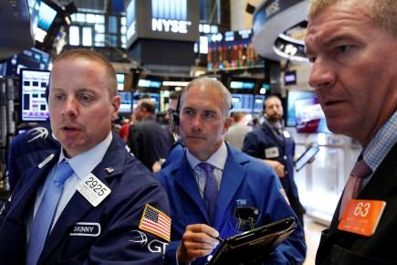 «Le marché des actions est partagé mais reste proche de l'équilibre pendant que pléthore d'entreprises annoncent leurs résultats trimestriels», ont résumé les analystes de Charles Schwab.