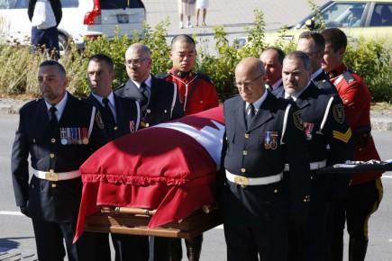 Mauril Bélanger porté vers son dernier repos