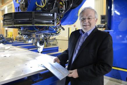 Louis Dussault,directeur général du Centre d'entrepreneuriat et d'essaimage... (Archives Le Quotidien, Jeannot Lévesque)