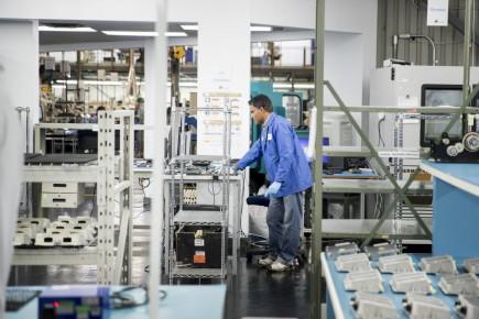 Annoncée lundi à Longueuil dans les locaux de l'entreprise Varitron, la mesure vise à informer les entreprises du secteur que de l'argent est à leur disposition afin d'accélérer leur modernisation.