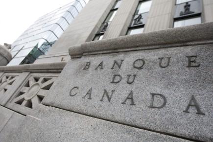 Selon l'économiste en chef de la Banque de Montréal, Doug Porter, la faiblesse des données économiques pourrait continuer d'alimenter l'idée voulant que la banque centrale puisse réduire les taux dans les six prochains mois.
