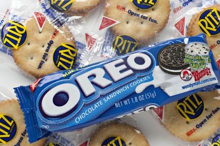 Affirmant que c'est à son usine de Viau que ses coûts étaient les plus élevés, Mondelez a décidé de déplacer la production de marques de biscuits Christie comme Oreo, Ritz, Fins au blé et Premium Plus, dans ses cinq autres usines ailleurs au Canada.