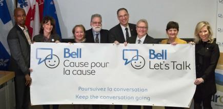 De gauche à droite: Michel Mpambara, Kathleen Weil, Martine Turcotte, Laurence Kirmayer, David Eidelman, Gaétan Barrette, Monique Vallée et Lori Graham.