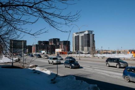 Le projet résidentiel Urbania, un îlot de copropriétés situé en face du métro Montmorency, est situé au cœur dece qu'il sera convenu d'appeler «le centre-ville de Laval», qui va du Carrefour Laval jusqu'au collège Montmorency.
