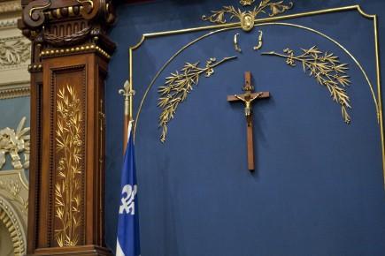 «Devons-nous oui ou non retirer un «symbole religieux»... (Archives Presse canadienne)