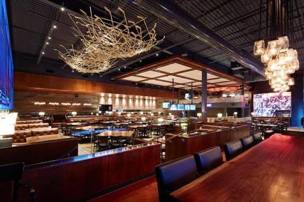 Les ventes du réseau de La Cage Brasserie sportive - la nouvelle enseigne des restaurants - ont progressé de 16,3 % au plus récent trimestre par rapport à l'an dernier, même si ce réseau comptait trois restaurants de moins que l'an dernier.