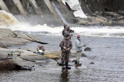 La rivière Chicoutimi au pied du barrage du... (Archives le Progrès, Mariane L. St-Gelais)