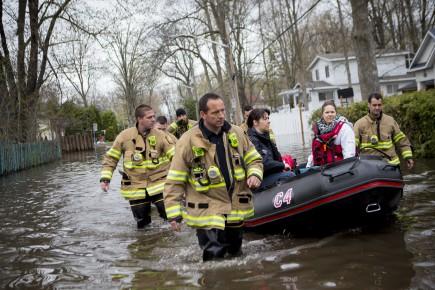 Plus de 1000 personnes ont été secourues au... (PHOTO SARAH MONGEAU-BIRKETT, LA PRESSE)