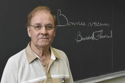 Le professeur Bernard Flamand, à l'emploi de la... (Photo Le Progrès, Michel Tremblay)