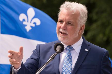 Philippe Couillard... (La Presse canadienne, Jacques Boissinot)