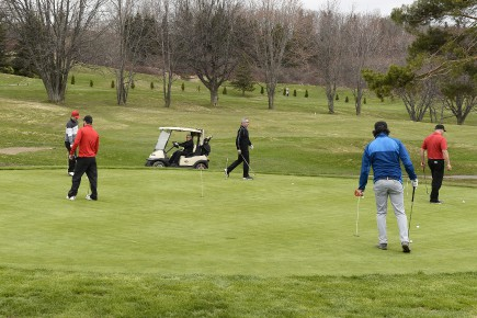 Club de golf... (Archives le Quotidien, Jeannot Lévesque)
