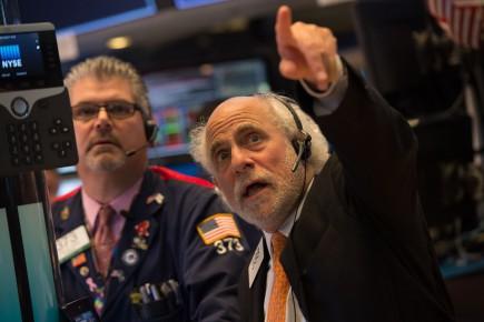Le Dow Jones prenait 0,01% tandis que le Nasdaq cédait 0,04% mercredi matin.