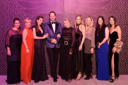 De gauche à droite: Katerine Rocheleau, Paule Labelle, Marie-Lise Andrade, Martin Couture, Lise Watier, Élyse Léger, Marie-Pier Therrien, Nathalie Marcoux et Cathy Samson.