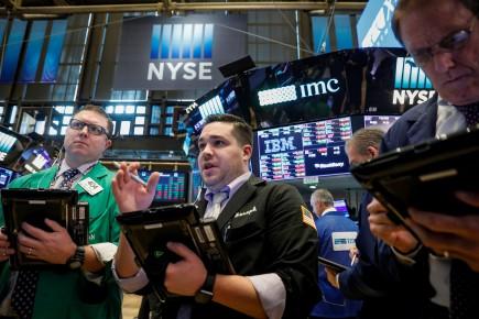 «Les acheteurs réapparaissent pour profiter de la baisse des prix après le repli observé ces deux dernières semaines», remarque Quincy Krosby de Prudential. D'autant plus que «les inquiétudes qui avaient pu émerger sur le marché des actifs aux rendements élevés, un temps délaissé, se dissipent», ajoute-t-elle.