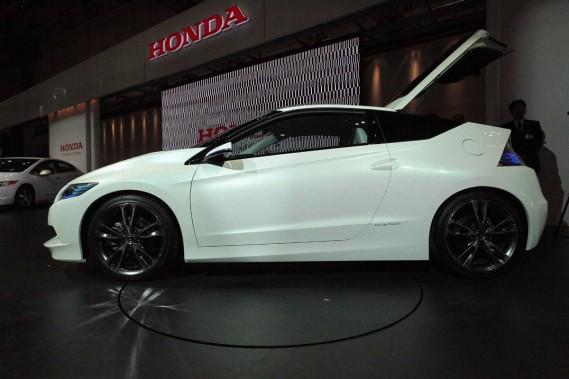 Le prototype CRZ, de Honda, sera dévoilé dans sa configuration finale à Detroit, en janvier.