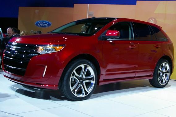 En plus d'importantes retouches esthétiques, le Ford Edge offrira de nouveaux moteurs dans sa version 2011.