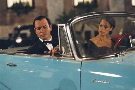 Pour identifier les autos actrices et boucher un coin au for Agent jean dujardin