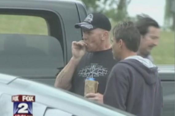 Des employés de l'usine Jeep Jefferson North, de Detroit, ont été filmés à leur insu en train de fumer de la marijuana et de boire de la bière pendant leur pause de dîner.