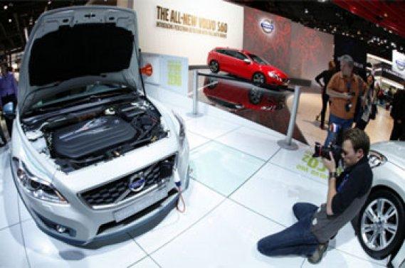 Le patron de Geely a récemment indiqué vouloir construire trois nouveaux  sites d'assemblage de Volvo en Chine, qui produiront jusqu'à 300 000  unités par an.