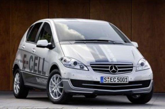Mercedes compte produire dans un premier temps 500 exemplaires de la  Classe A E-Cell, qui seront proposés à l'automne 2010 via des contrats  de location en Allemagne, en France ainsi qu'aux Pays-Bas.
