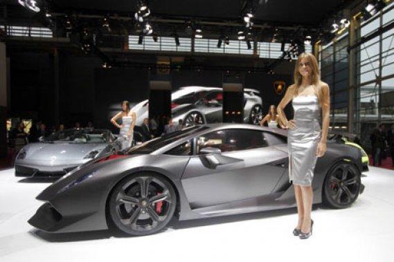 Le Sesto Elemento de Lamborghini
