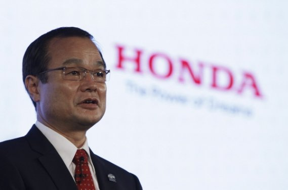 Le président et chef de la direction de Honda Motor Corp., Takanobu Ito,  sera au Salon de l'auto de Los Angeles pour dévoiler lui-même deux prototypes de véhicules à énergies alternatives.
