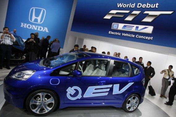 Douze ans après avoir présenté à ce même salon ce qui était à l'époque sa EVPlus, prototype sous-compacte électrique, Honda a sorti de son chapeau un autre prototype: la Honda Fit électrique.